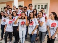 Jovens do coral coral Canto da Casa na Rádio Universitária 107.9 em fevereiro deste ano (Foto: Viktor Braga)