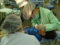Os estudantes realizam cerca de 300 atendimentos diários nas sete clínicas, em Fortaleza. (Foto: Internet)