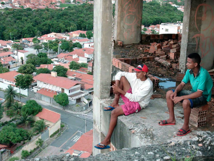 O longa Corpo Delito conta a história de Ivan, um ex-presidiário que tenta se ressocializar (Foto: Divulgação)