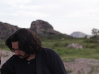 Em 2016, Berg Menezes lançou Pedra, seu primeiro álbum solo (Foto: Divulgação)