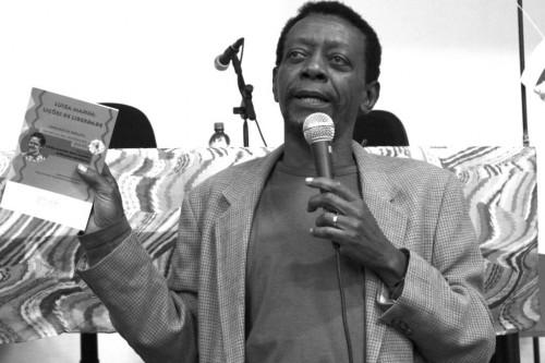 Poeta e pesquisador Éle Semog (Foto: Divulgação/ Site Éle Semog)
