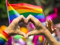 Mais amor e respeito à diversidade: uma das principais pautas dos movimentos LGBT (Foto: Shutterstock)