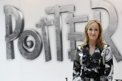 J.K. Rowling durante o lançamento do website Pottermore (Foto: Reuters)