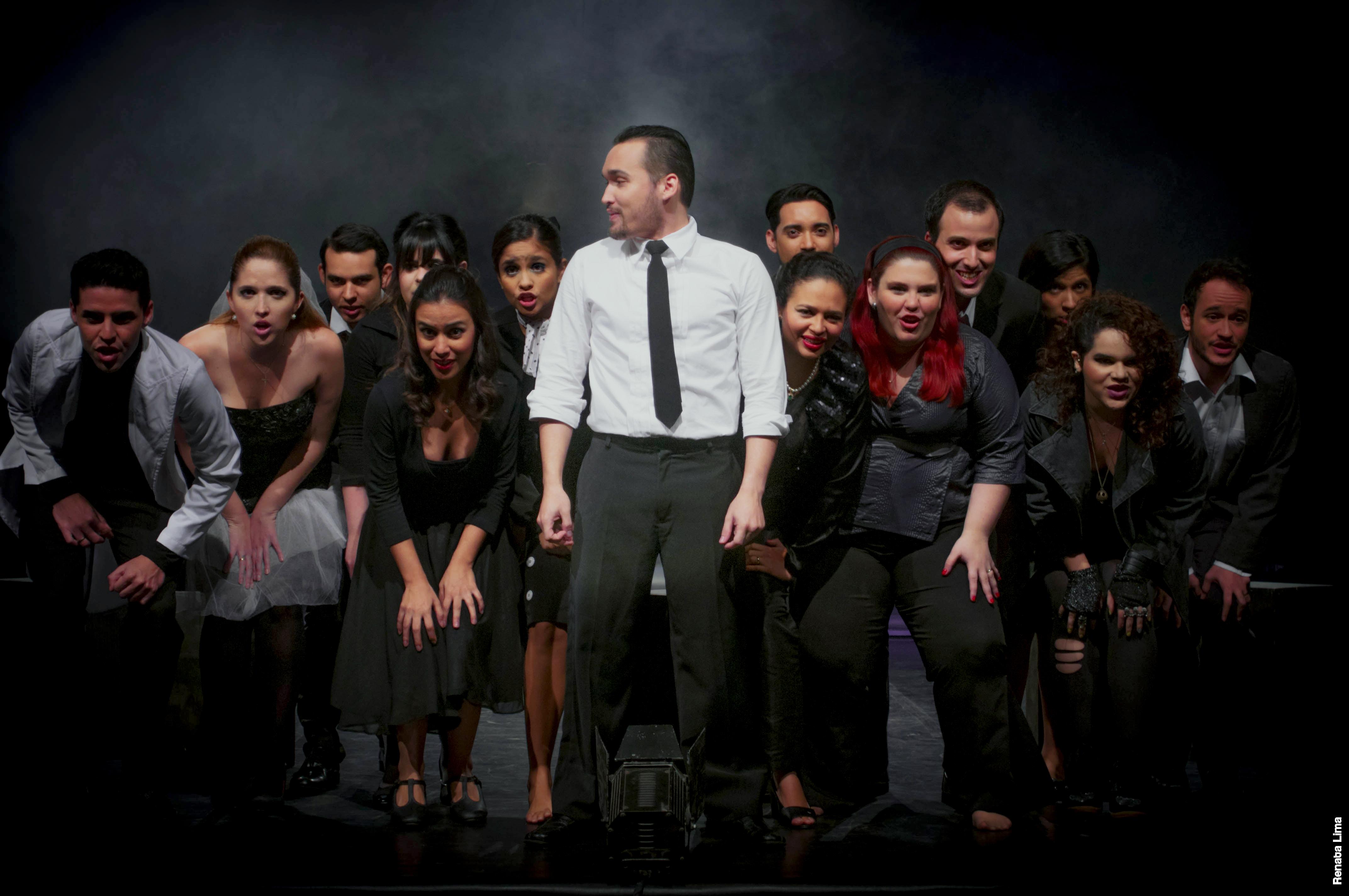 O Grupo Ás de Teatro já fez três adaptações de espetáculos da Broadway. Entre elas, Companhia (2011) que ganha nova montagem em janeiro (Foto: Renata Lima)