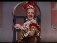 Carmen Miranda foi a primeira luso-brasileira a deixar a sua impressão na calçada da fama de Hollywood (Foto: Reprodução/Tv Futura)
