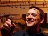 Osvaldo Golijov é um compositor argentino de música clássica e professor de música, conhecido por seu trabalho vocal e orquestral (Foto: Reprodução/Internet)