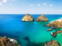 Baía dos Porcos, praia pertencente ao arquipélago de Fernando de Noronha. Em 2013 e 2014 foi eleita a praia mais bonita do litoral brasileiro pelo Guia Quatro Rodas (Foto: Eduardo Murici)