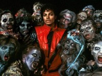 O clipe de Thriller, do cantor estadunidense Michael Jackson ,inaugurou a era de clipes com orçamentos estratosféricos e superprodução (Foto: Reprodução/Internet)