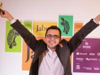 O escritor cearense, Mailson Furtado, foi premiado no 60° Prêmio Jabuti de Literatura, com a obra À cidade na categoria de melhor livro de  poesia e considerado o livro do ano   (Foto: Reprodução/Câmara Brasileira do Livro)
