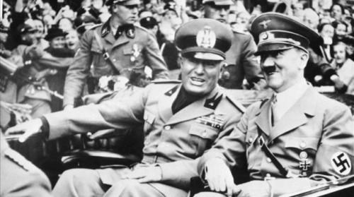 Com origem na Itália, mais especificamente em Milão, o movimento social, político e cultural do Fascismo foi criado por Benito Mussolini e se espalha por vários países da Europa, como na Alemanha e o movimento nazista de Adolf Hitler (Foto: Reprodução/Internet
