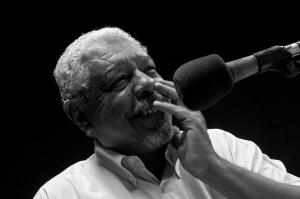 O jornalista e professor Agostinho Gósson foi diretor executivo da Universitária FM e, por mais de 15 anos, apresentou o programa Rádio Debate (Foto: Jr, Panela)