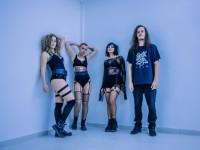 O grupo Sinta a Liga Crew é formado pelas MCs Kalyne Lima, Camila Rocha e Preta Lange, junto com o DJ Guirraiz (Foto: Sara Andrade/Divulgação)
