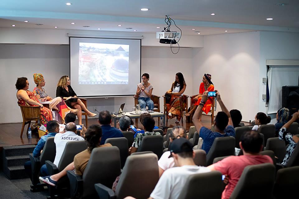O Debate com Ginga acontece todos os meses no auditório do Centro Dragão do Mar. (Foto: Luiz Alves/Centro Dragão do Mar)