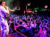 """Coro Mc na Praça Verde do Dragão do Mar, sábado passado, no show de lançamento de """"Veterano"""", de Nego Gallo, que o rapper co-produziu (Foto: Ariel Gomes/Divulgação)"""