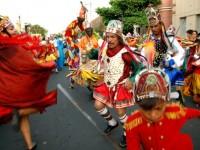 O Reisado é uma manifestação popular do ciclo natalino e é desenvolvido pelos estudantes dentro do projeto Folcloreando. (Foto: Repordução/Internet)