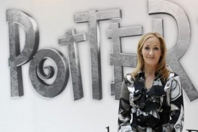 J.K. Rowling durante o lançamento do website Pottermore (Foto: Reuters)