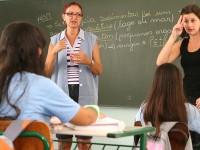 Libras é reconhecida como a segunda língua oficial do Brasil pela Lei nº 10.436/2002 (Foto: Reprodução/Internet)