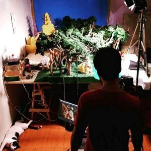 Levi Magalhães no estúdio de sua recente produção Blawrh (Foto: Hamille Bezerra)