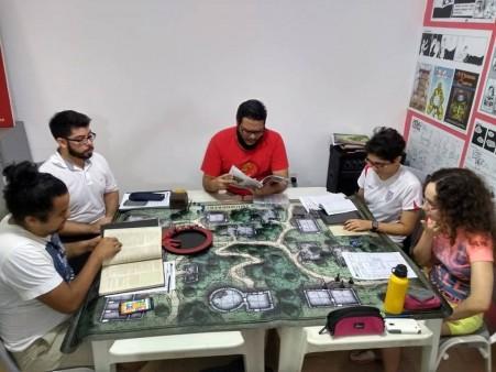 Dmitri é criador da Vila do RPG, um grupo que se reune toda semana para jogar (Foto: Arquivo Pessoal)