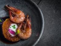 A culinária desenvolvida por Léo Gonçalves apresenta o conceito DOC – que utiliza apenas ingredientes de Denominação de Origem Cearense (Foto: Reprodução/O Povo)