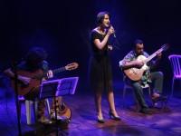 Bárbara Sena gosta de  transitar por vários estilos musicais, como o forró, o samba, o reggae e o jazz (Foto:Secult/Felipe Abud)