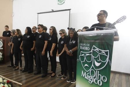 Existem algumas ações e projetos em Fortaleza que estimulam o acesso cultural de pessoas com deficiência, como o Grupo de Teatro Olho Mágico (Foto: Evilázio Bezerra/O POVO)