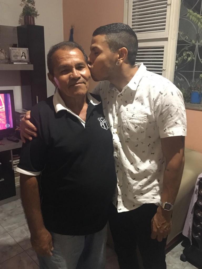 José Donato Silva e seu filho, o artista Felipe de Paula (Foto:Arquivo Pessoal)