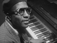Apesar de ter escrito apenas 71 temas de jazz ao longo da vida, Thelonious Monk é considerado um dos grandes pianistas da história (Foto: Reprodução/Internet)
