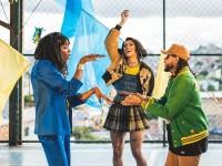 Colaborações como o recente lançamento AmarElo, de Emicida, Majur e Pablo Vittar, são conhecidos como feats na indústria musical (Foto: Divulgação)