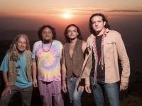 A banda Renegados Além dos Rótulos atua na cena rock cearense desde 1993. A banda é formada por (da esquerda para direita)  Celso Batera, Romualdo Filho, Ricardo Pinheiro e Marcelo Renegado (Foto: Regis Capibaribe)