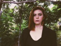 O primeiro álbum de Andréa Manoel tem a participação especial dos músicos Oscar Arruda, Cid, Emmanuel Braga Jr. (Descendentes da Índia Piaba), Ednar Pinho (Argonautas), Carlinhos Maia e Romualdo Bass (Renegados) (Foto: Divulgação)