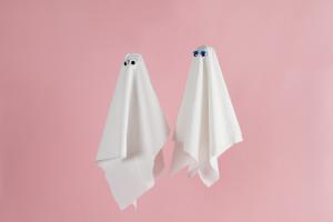 Apesar de não ser um fenômeno novo, o ghosting se torna mais frequente devido à influência da tecnologia nos relacionamentos amorosos (Foto: Reprodução/Pando Logic)