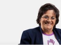 Maria da Penha Maia Fernandes é uma farmacêutica brasileira que lutou para que seu agressor viesse a ser condenado. Maria da Penha tem três filhas e hoje é líder de movimentos de defesa dos direitos das mulheres, vítima emblemática da violência doméstica (Foto:Divulgação)