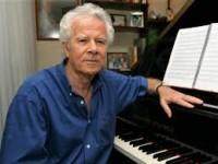 Edmundo Villani-Côrtes é um pianista, maestro, arranjador e compositor brasileiro (Foto: Reprodução/Internet)