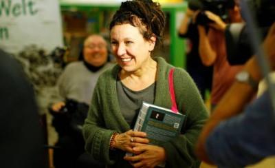 Olga Tokarczuk foi agraciada com o Prêmio Nobel de Literatura em 2019. A escritora polonesa dividiu o prêmio com o austríaco Peter Handke (Foto: Thilo Schmuelgen/Reuters)