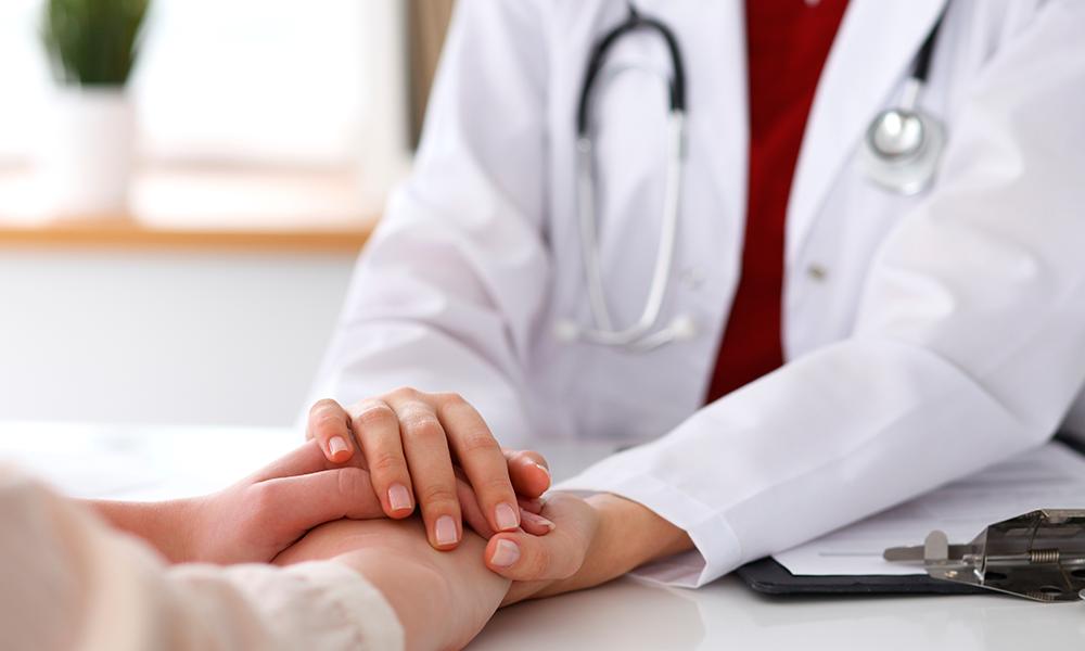 Em pesquisa realizada com 620 pessoas transexuais, entre 18 e 64 anos, 43,2% dos entrevistados disseram evitar serviços de saúde pelo simples fato de serem pessoas trans (Foto: Reprodução/Internet)