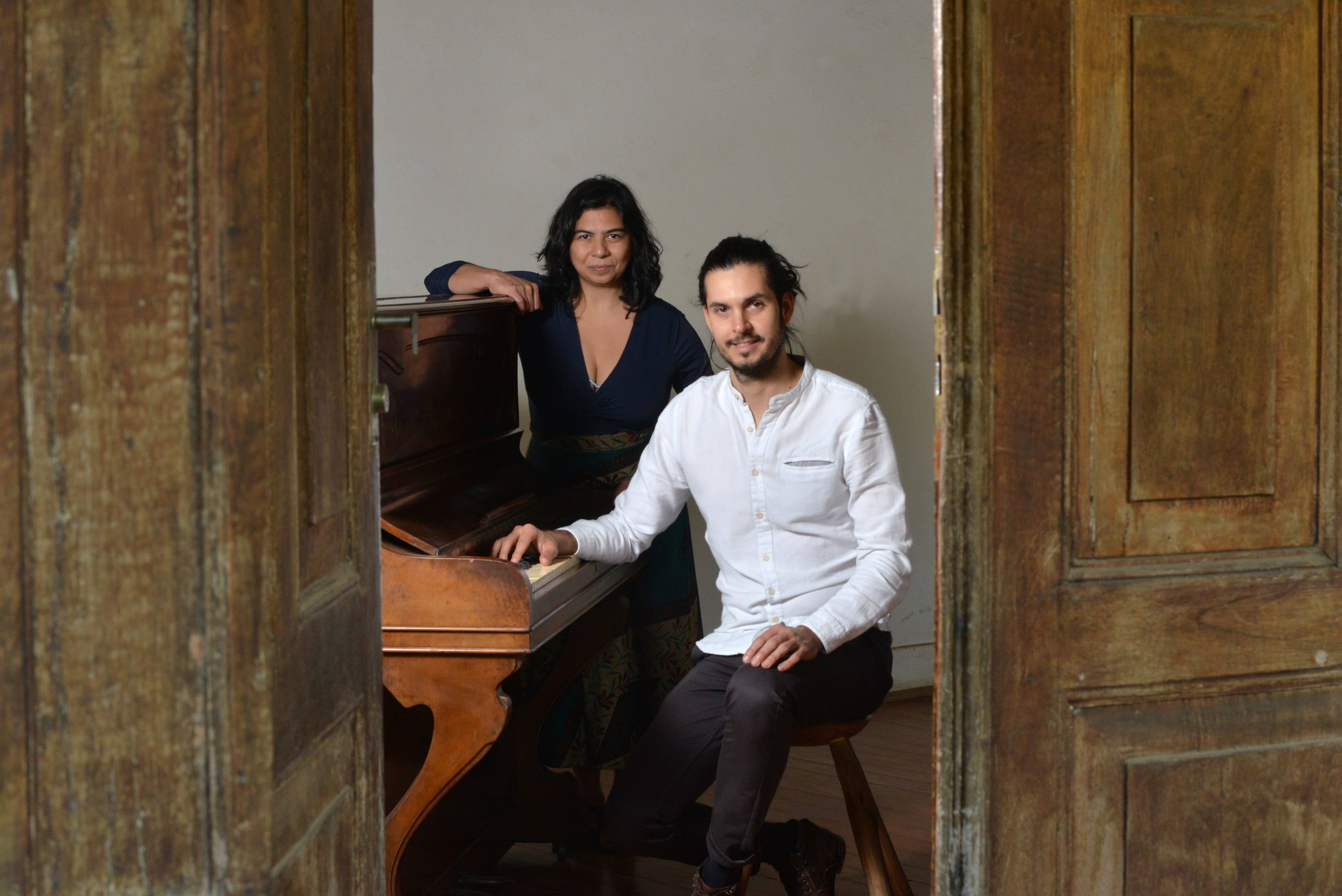 A cantora cearense Verlucia Nogueira desenvolveu, com o pianista Tiago Fusco, os arranjos e interpretações do álbum Estradar - Canções de Elomar Figueira Mello (Foto: Reinaldo Meneguim)