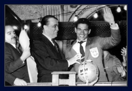Em 1958, quando a seleção brasileira de futebol triunfou na Suécia, o Brasil era presidido por Juscelino Kubitscheck (Foto: Reprodução/Internet)