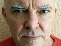 """Em entrevista ao programa """"Artes e Artistas da Terra"""", Jorge Mello conta sobre sua relação com o misticismo e uma biblioteca mística que montou com o cantor Belchior (Foto:Reprodução/Internet)"""