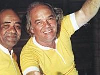 Dodô (à esquerda) e Osmar foram os músicos que criaram o pau elétrico. Depois, ao lado de Temístocles  Aragão, formaram o trio elétrico (Foto: Mario Luiz Thompson/Folhapress)