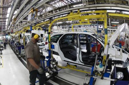A indústria automotiva é uma das principais no Brasil, e seu principal mercado consumidor é a própria América do Sul (Foto: Washington Alves)