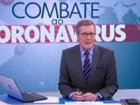 O jornalista Márcio Gomes na bancada do programa criado pela Rede Globo para informar a população sobre a Covid-19 (Foto: Reprodução/Rede Globo)