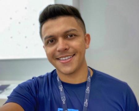 Jonatas Linhares tem aproveitado o período em casa para se aperfeiçoar profissionalmente (Foto: Arquivo Pessoal)
