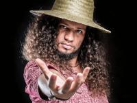 """Entrevistado pelo programa Zumbi em outubro, o rapper RAPadura divulgará nesta sexta (17/04) a faixa """"Meu Ceará"""", que estará no álbum prestes a ser lançado - Foto: Divulgação"""