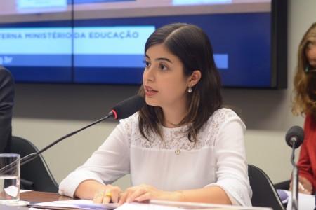 A deputada federal Tábata Amaral (PDT-SP) é co-autora do Projeto de Decreto Legislativo nº 167/2020 que visa a suspensão do calendário do Enem (Foto: Reprodução/Internet)