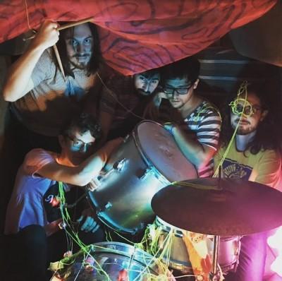 Marcelo faz parte da banda Gentrificators (Foto: Arquivo Pessoal)
