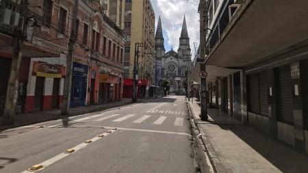 Comércio fechado no centro de Fortaleza (Foto: Beatriz Farias/ SVM)