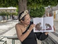 Elisabete Pacheco iniciou sua trajetória como narradora oral em 2007 e já ajudou a formar muitos contadores de histórias no Ceará. Ela é uma das idealizadoras da Mostra Nacional de Contadores de Histórias nas Terras do Cariri (Foto: Jr.Panela)