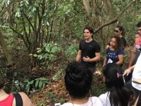 """Gabriel Aguiar (de blusa preta) é formado em Biologia pela Universidade Federal do Ceará. Sua monografia teve como tema """"Mamíferos não-voadores do Parque do Cocó: Composição e Impactos Associados (Foto: Arquivo Pessoal)"""