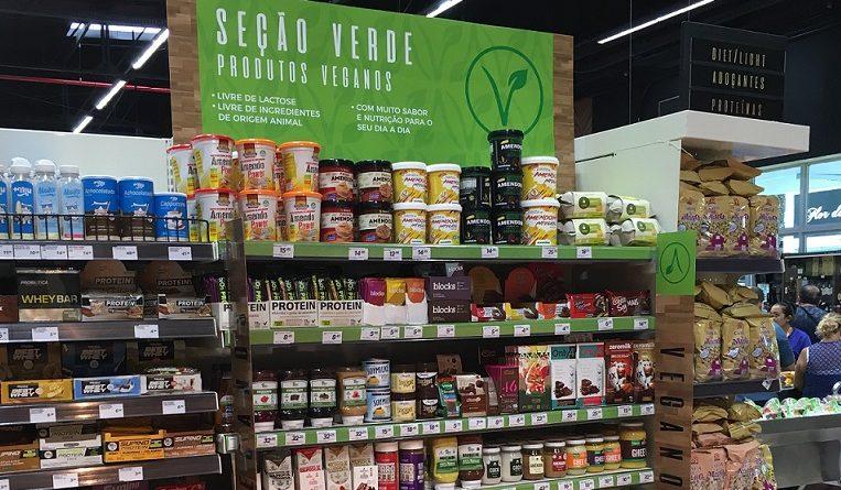 Os produtos veganos estão ganhando mais espaço nos supermercados (Foto: Reprodução/Internet)